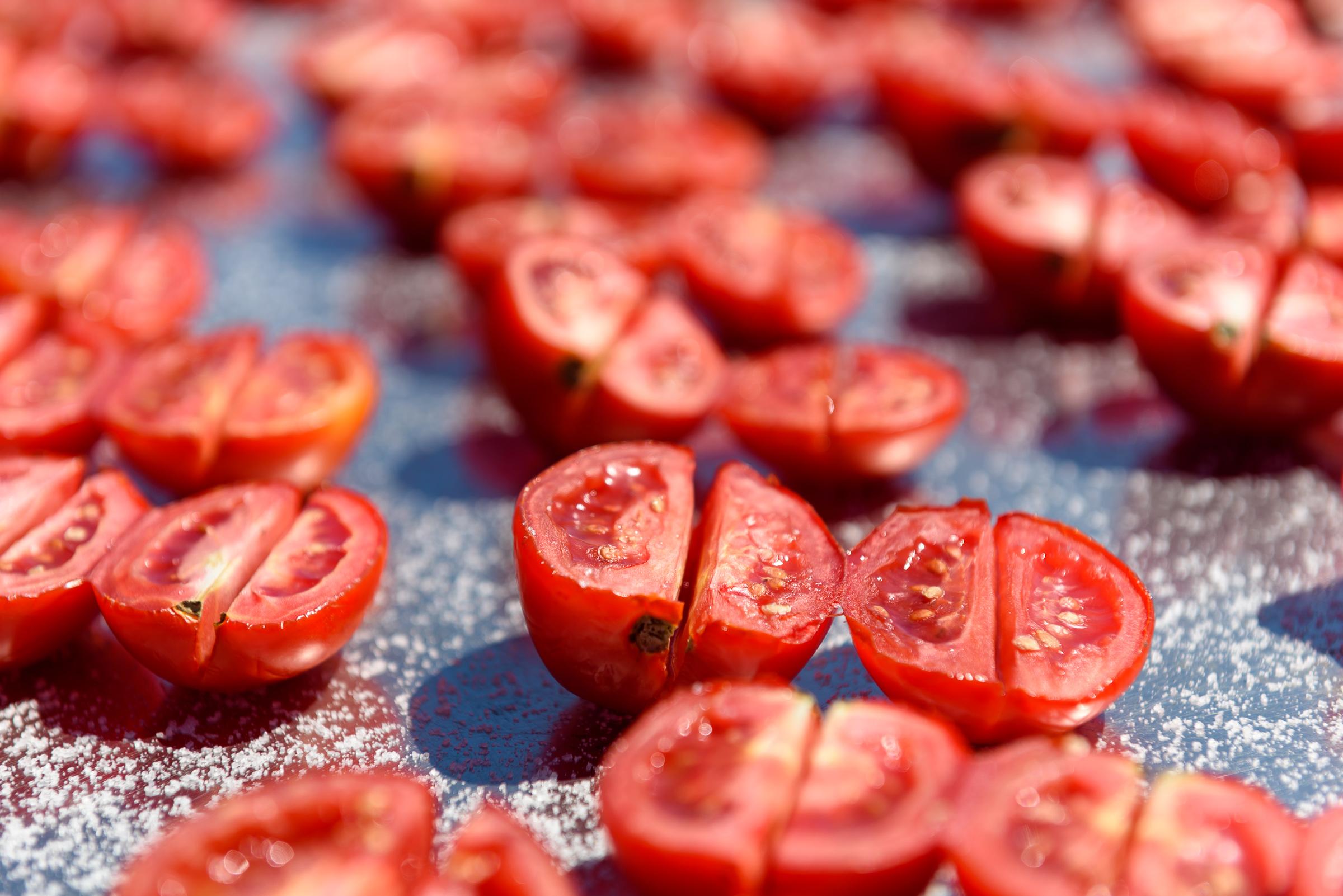 Tomaten, die trocknen.